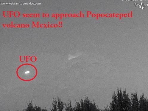 MÉXICO - UFO parece Aproximar-se do Vulcão Popocatépetl em 25 de Dezembro 2015!!