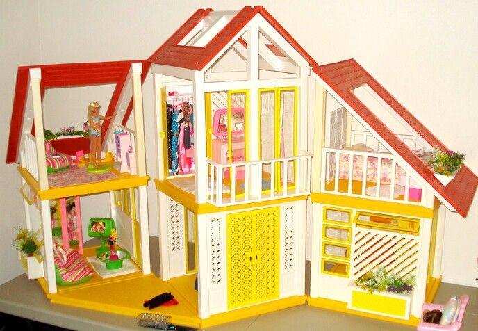 Vintage Barbie Dreamhouse 16