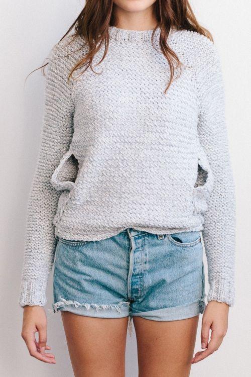 Kostenlose Strickanleitung: Pullover - Entwurf: Sandra Knüpfing. Model:  Kim Ky/Fotograf: Kai Mattler.