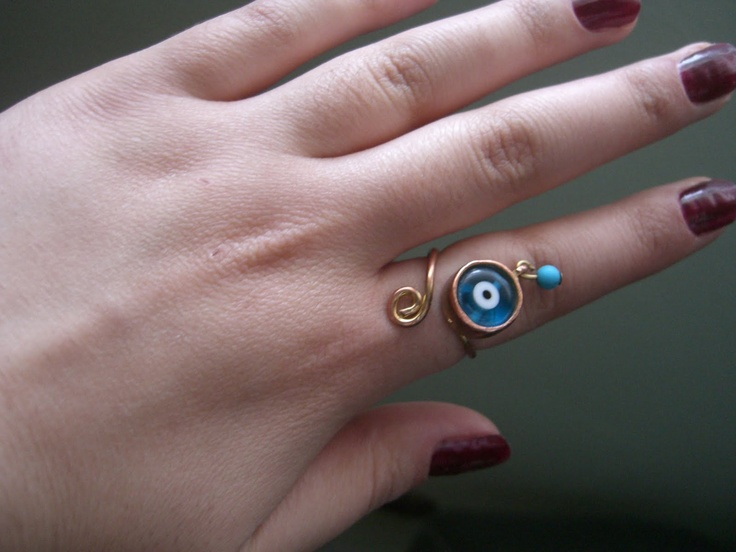 ring with turkish amulett