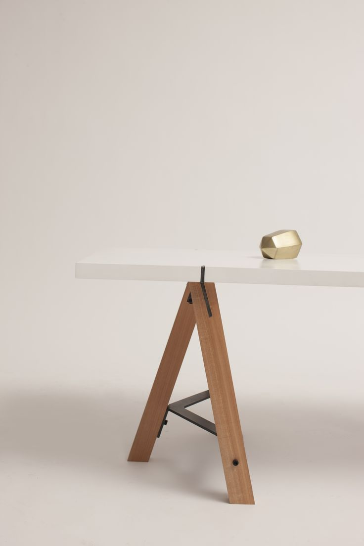 Mesa Pedro - por Nueve Design Studio. Pedro Table by Nueve Design Studio.  Diseño Chileno  Chilean design.
