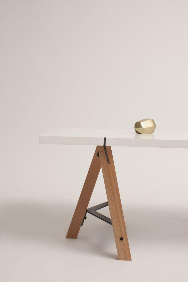 Mesa Pedro - por Nueve Design Studio. Pedro Table by Nueve Design Studio.  Diseño Chileno  Chilean design.