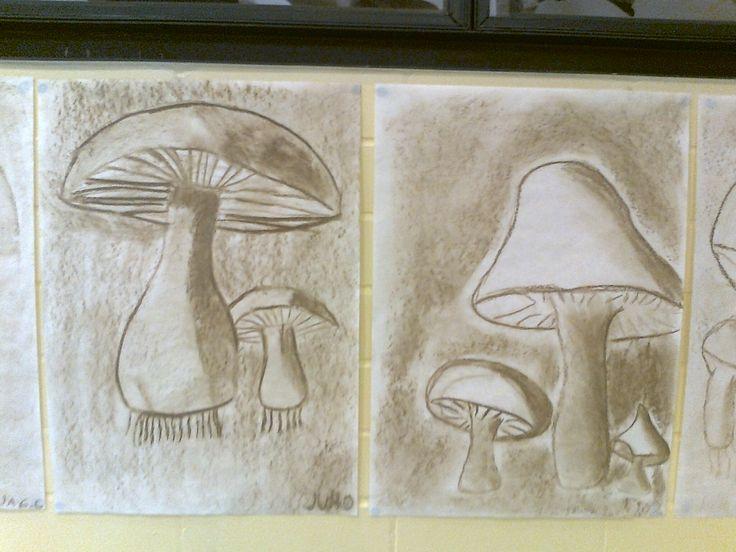 Sienet ruskehtavalla pölypastellivärillä