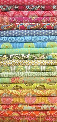 This makes me smile: Amy Butler Soul Blossoms fabric.