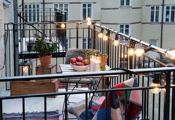 15 Tiny Balcony Lighting Tips - http://www.decorazilla.com/decor-ideas/15-tiny-balcony-lighting-tips.html