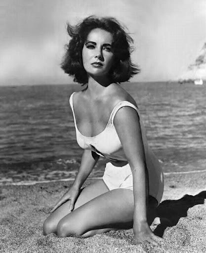 elizabeth taylor: Vintage Swimsuits, Beaches Beautiful, Vintage Hollywood, Style, Elizabeth Taylors, Icons Beautiful, Beautiful Women, Elizabethtaylor, Liz Taylors
