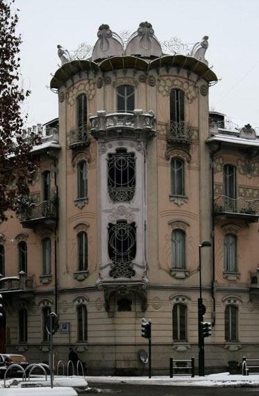 #Torino #Liberty: Casa Fenoglio - La Fleur. Foto: Torino Turistica