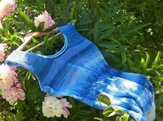 Letní minišaty v barvách vody