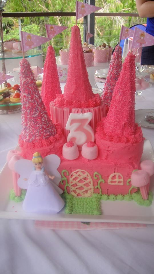I have put a teaser on the Mums in the Kitchen Facebook page about some changes I've been making in the kitchen – and I really can't wait to share them with you! But FIRST, I was scrolling through some photos and realised I never shared with you my best and proudest mummy cake-making achievement ever! My... Read More »
