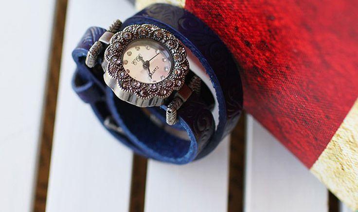 Blue Bing Bezel Set Crystal Leather Quartz women wristwatches