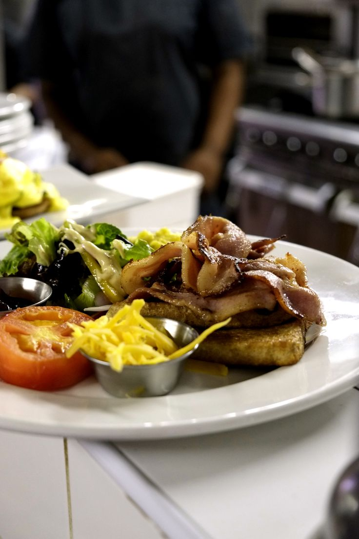 Cottage Fromage bistro, restaurant, Paarl, Cape Town. 3 e-books runs to over 800 pages in total. A Travel Guide, a Wine Guide and a Restaurant Guide. Read more about the books at: http://pepperpublishing.no/english The travel guide & Restaurant Guide are available now on Amazon, Itunes Ibooks, Google Books, and Barnes & Noble. The Wine Guide will be available early 2016. Photo: http://www.rwasserfall.co.za/