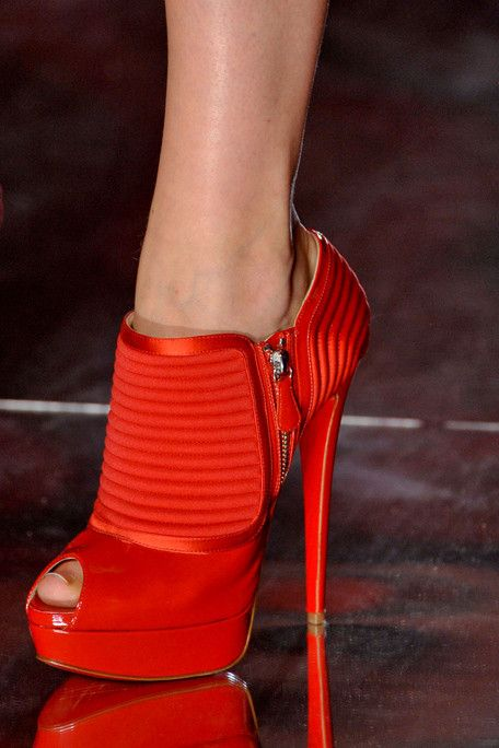 .Fashion, Red Shoes, Highheels, Woman Shoes, Red Booty, Hot Heels, High Heels, Alexandre Vauthier, Red Hot