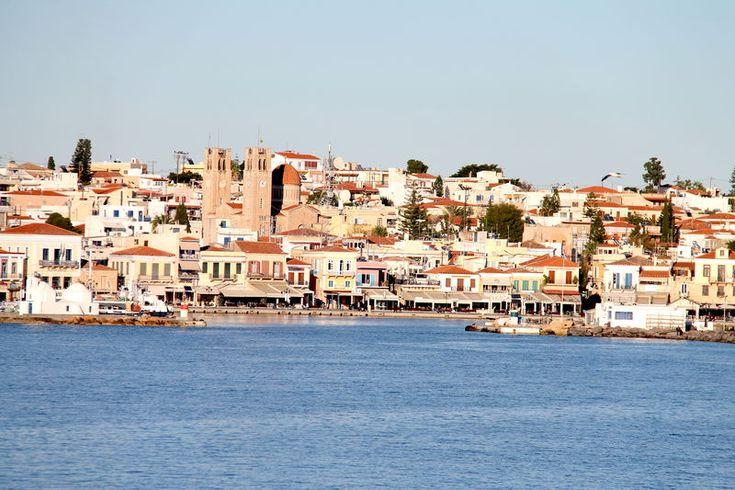 widok na grecką wyspe Egina