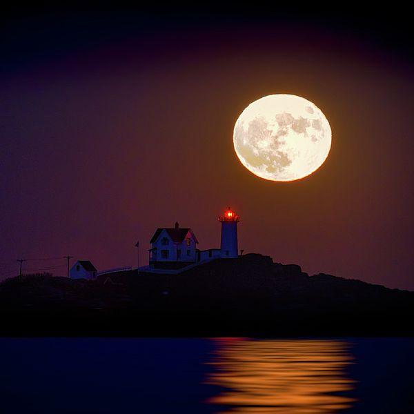 The Nubble & The Full Moon
