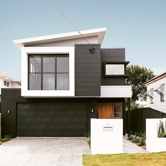 @kalkahomes are the experts when it comes to maximising space in small-lot homes Love the sloped facade and use of Scyon to create a modern feel. #australianarchitecture #architecture #exterior #exteriordesign #scyonwalls