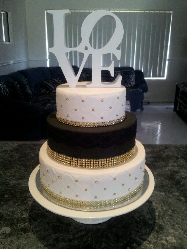 square black and white wedding cakes pictures%0A    Black  White And Gold Wedding Ideas   White wedding cakes  Black gold  and Wedding cake