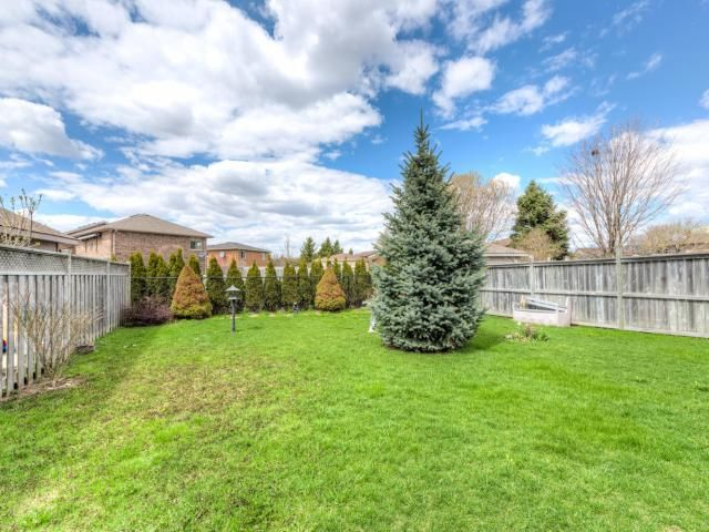 658 Railton Ave, London -   Well Maintained Bungalow with Attached Garage in East London! -   http://www.JeffBroughton.ca/listing/cms/658-railton-ave-london/