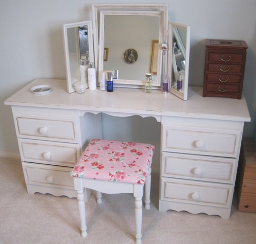 My old pine dressing table set painted with Annie Sloan chalk paint in Old White.