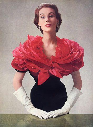 Givenchy 1952                                                       …