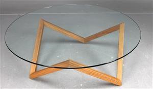 Vara: 3632072Glasbord, Englesson, modell Sirius Denna vara har satts till omförsäljning under nytt varunummer3641282