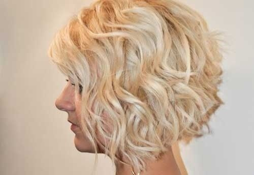 Bouncy Curly Hairstyle for Short Blonde Hair