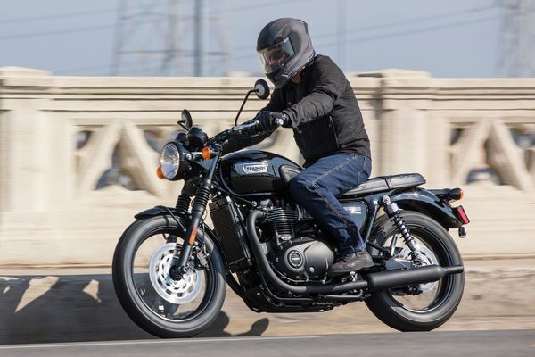 2017 Triumph Bonneville T100 First Ride Motorcycle Review | Cycle World