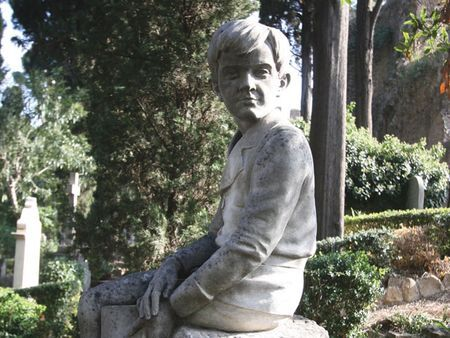 Seated boy, Protestant cemetery, Rome