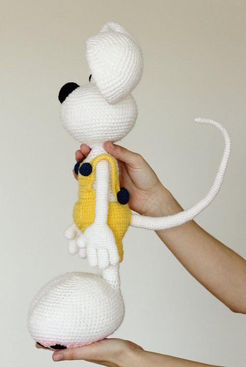 Mouse amigurumi doll