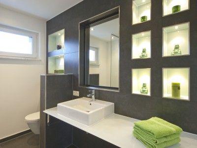 Ansprechende Badezimmer Gestaltung im Juliushof von FischerHaus