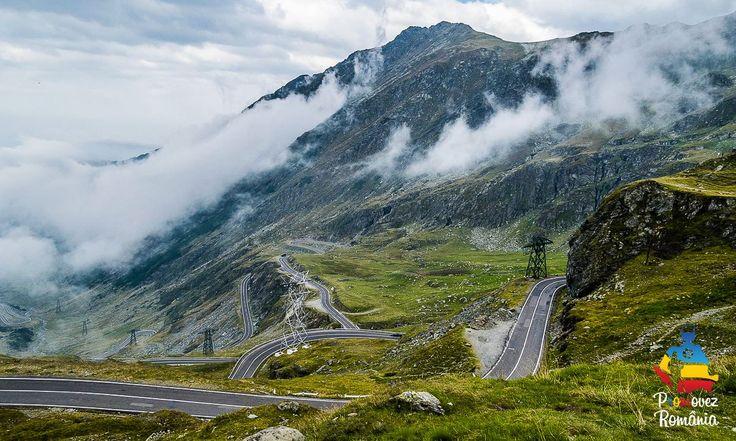 Transfăgărăşanul (DN7C) leagă Ardealul de Muntenia și are o lungime de 92 de kilometri. Pe parcursul acestora se găsesc viaducte, poduri, dar şi un tunel, cel mai lung din România (887 metri). Principalul obiectiv turistic este zona din jurul Lacului Bâlea, peisaj ce merită surprins printr-un instantaneu.
