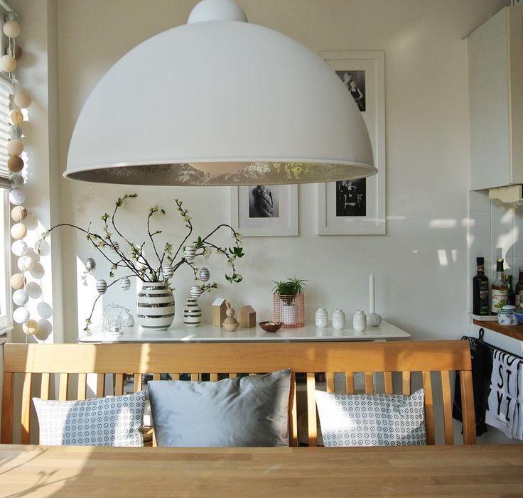 Ein ganz besondere Lampe über dem Esstisch