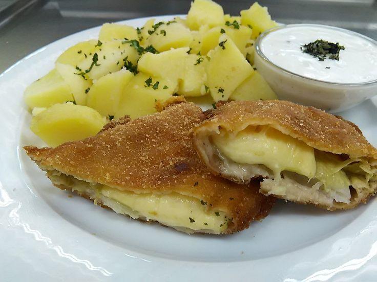 Máte  radi  vyprážaný  syr ? spolu  s  kapustou   je  to  delikatesa..