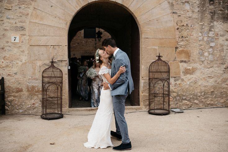 Beautiful castle wedding in Catalonia photographed by Xavi Baeli. #weddingday #weddingplanning #iloveyou #weddingphotography