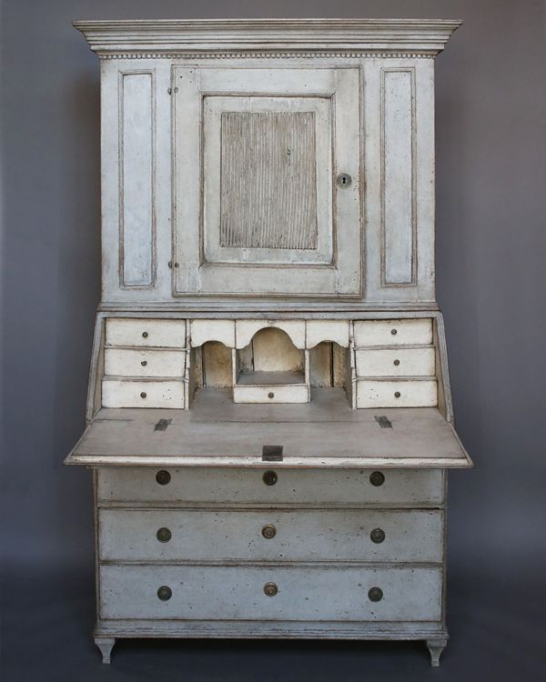 Period Gustavian secretary with library, Sweden circa 1820. The upper library…