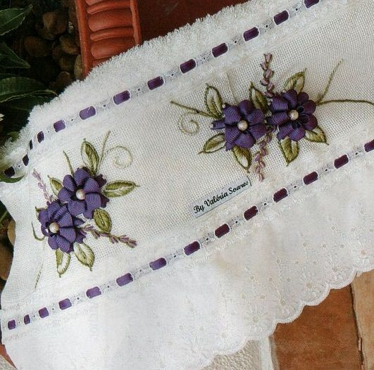 FLOR MARGARIDA DE BICO EM SIANINHA