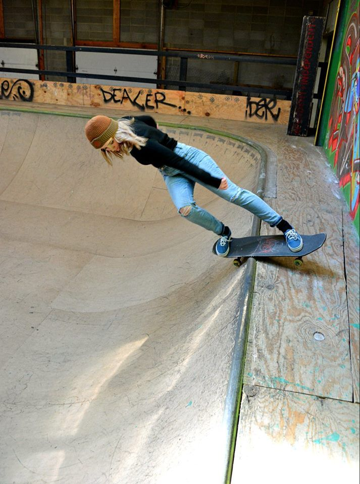 Rock To Fakie-Female Skateboarders  #skateboarding #femaleskaters #girlskaters #skateboard