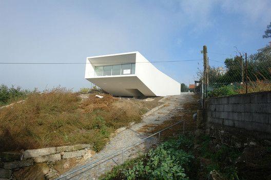 House 1 in Penafiel / Claudio Vilarinho   ArchDaily