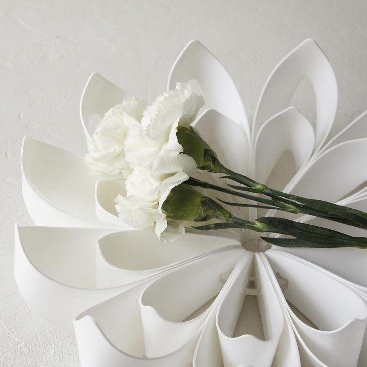 White small Petals fruibowl - be&liv