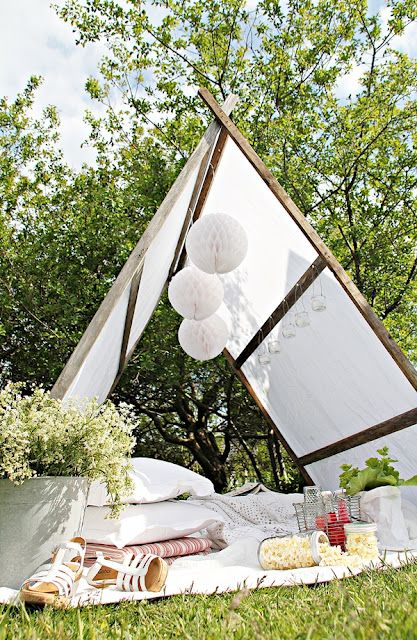 Build your own garden tent. Step by step is here: http://mariefriis.blogspot.no/2012/06/10-pinner-28-skruer-en-duk-og-fire.html