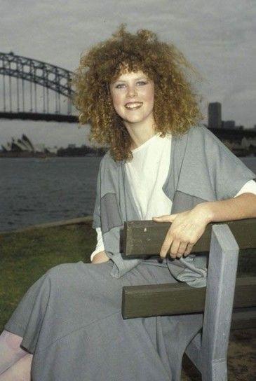 Nicole Kidman pettinatura anni 80 con permanente