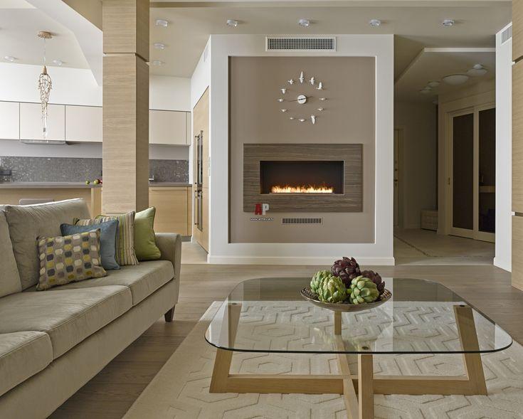 Дизайн интерьера в песочных тонах с отделкой светлым деревом