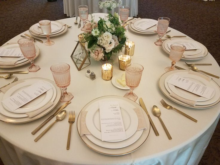 Wedding table setting, wedding, Central Oregon Wedding at FivePine Lodge, wedding reception decor
