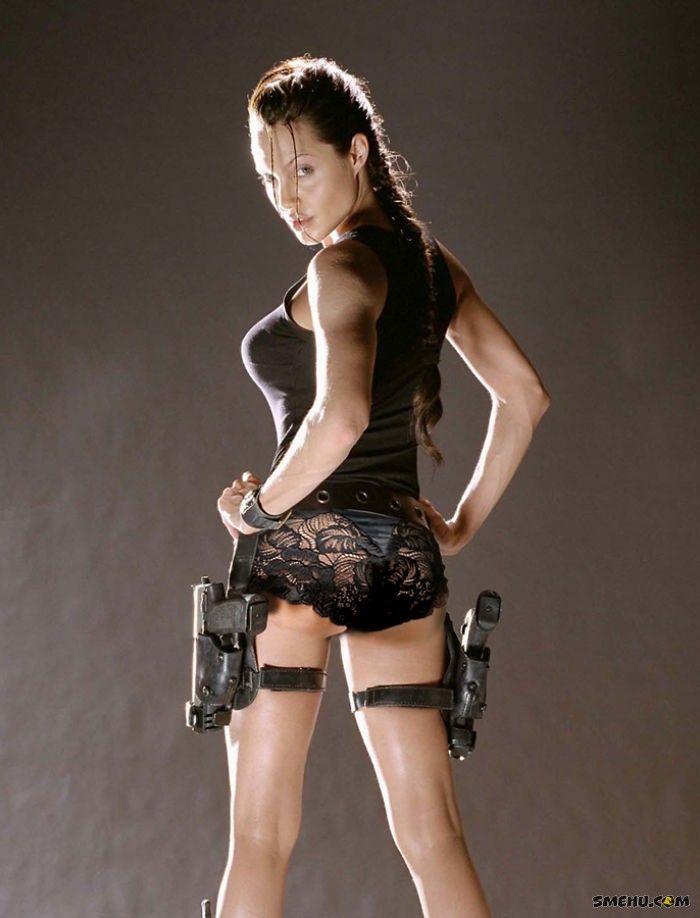 Лара Крофт без штанов