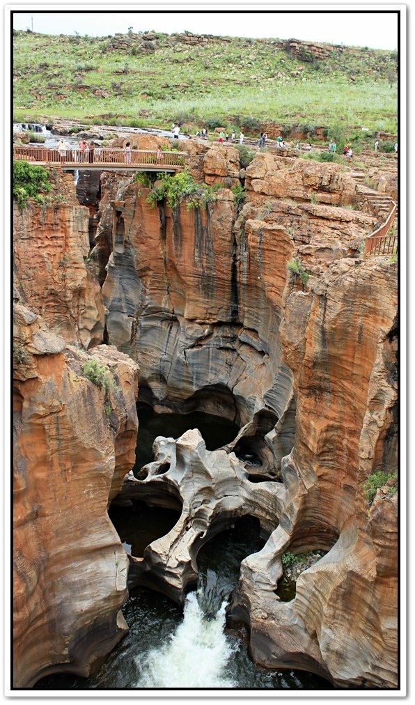 Blyde River Canyonin , Bourke Luck -hiidenkirnut.