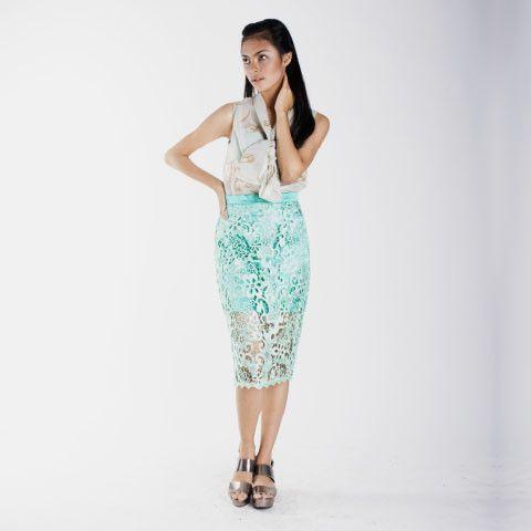 Meroon Bold Tiffany