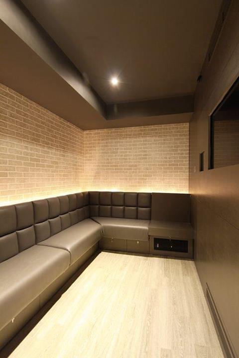 Private karaoke room