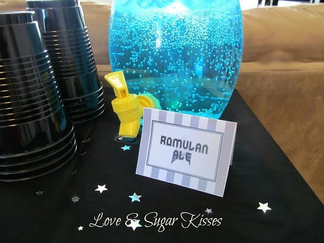 Star Trek Party Romulan Ale - 7up w blue food coloring, or blue Kool Aid mix with tonic water?