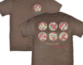 Mantener la calma y jugar voleibol camiseta por MilkyWayTshirts