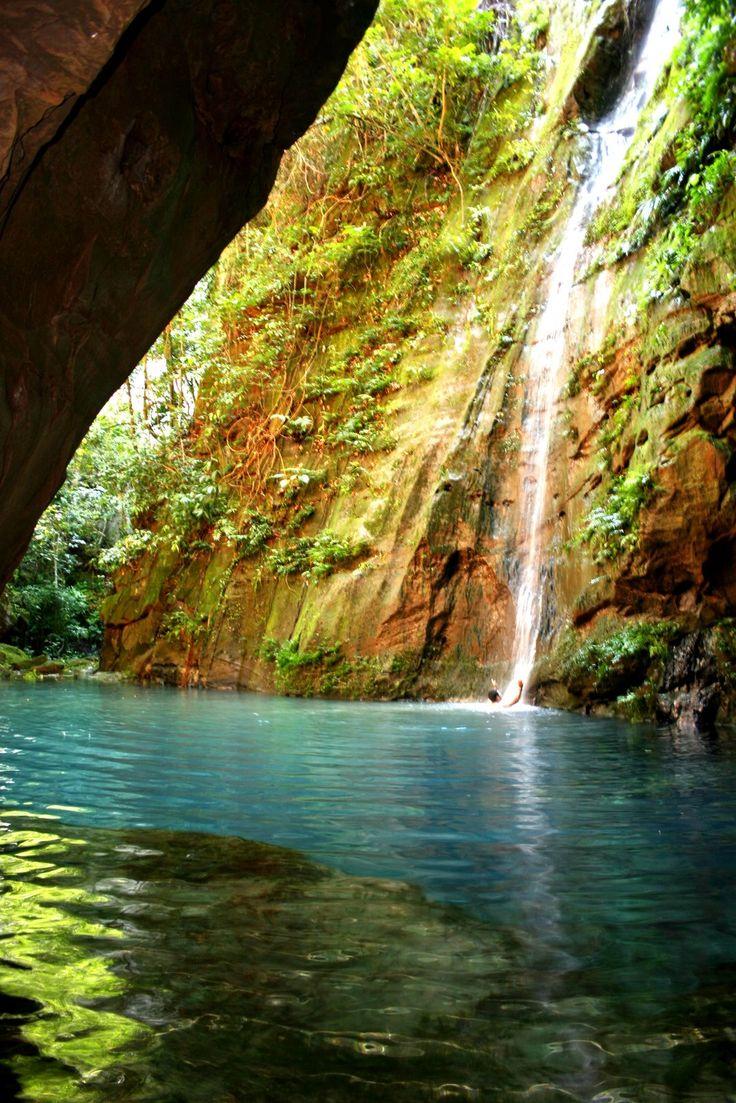 O Parque Nacional da Chapada das Mesas e região é um verdadeiro paraíso localizado no sul do estado do Maranhão, mais precisamente na cidade de Carolina. A região conta com 89 cachoeiras e mais de 400 nascentes de águas cristalinas.