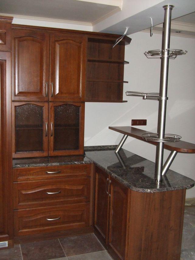 Kuchynská linka v rustikálnom štýle